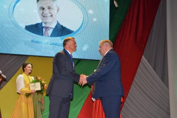 Apdovanojamas Robertas Dargis