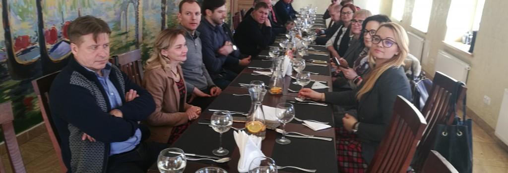 MVA narių susitikimas prie pietų stalo